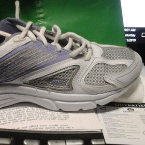 Curves Size 8 Sneakers